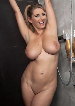 Big Tits Shower Porn Pictures