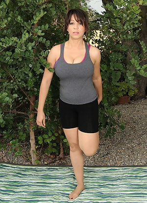 Big Tits Fitness Porn Pictures